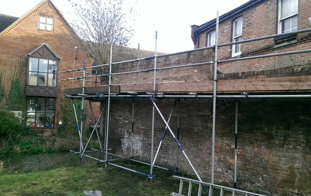 Cantilever Scaffold
